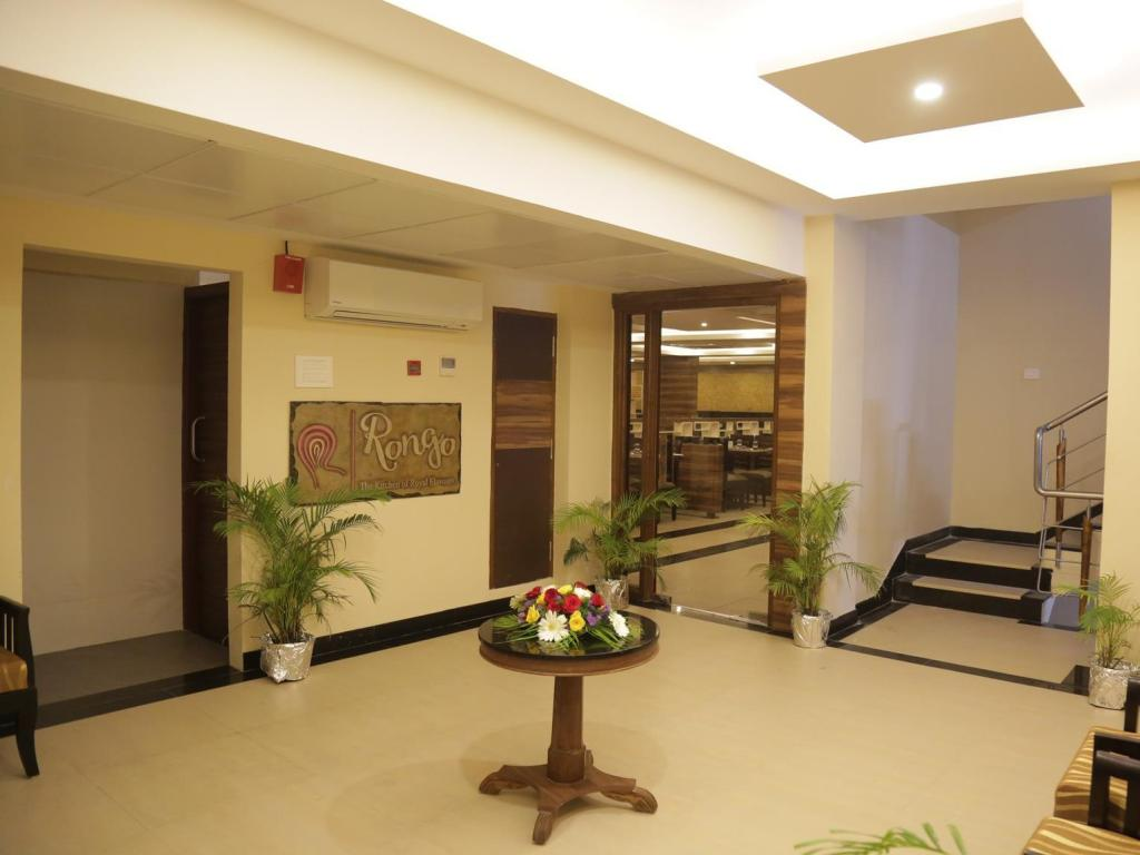 Restaurant Rangalaya Royal Hotel
