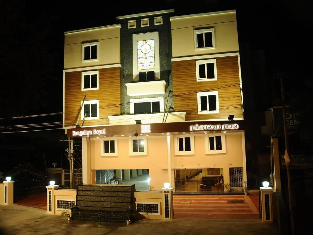 Hotellet indefra Rangalaya Royal Hotel