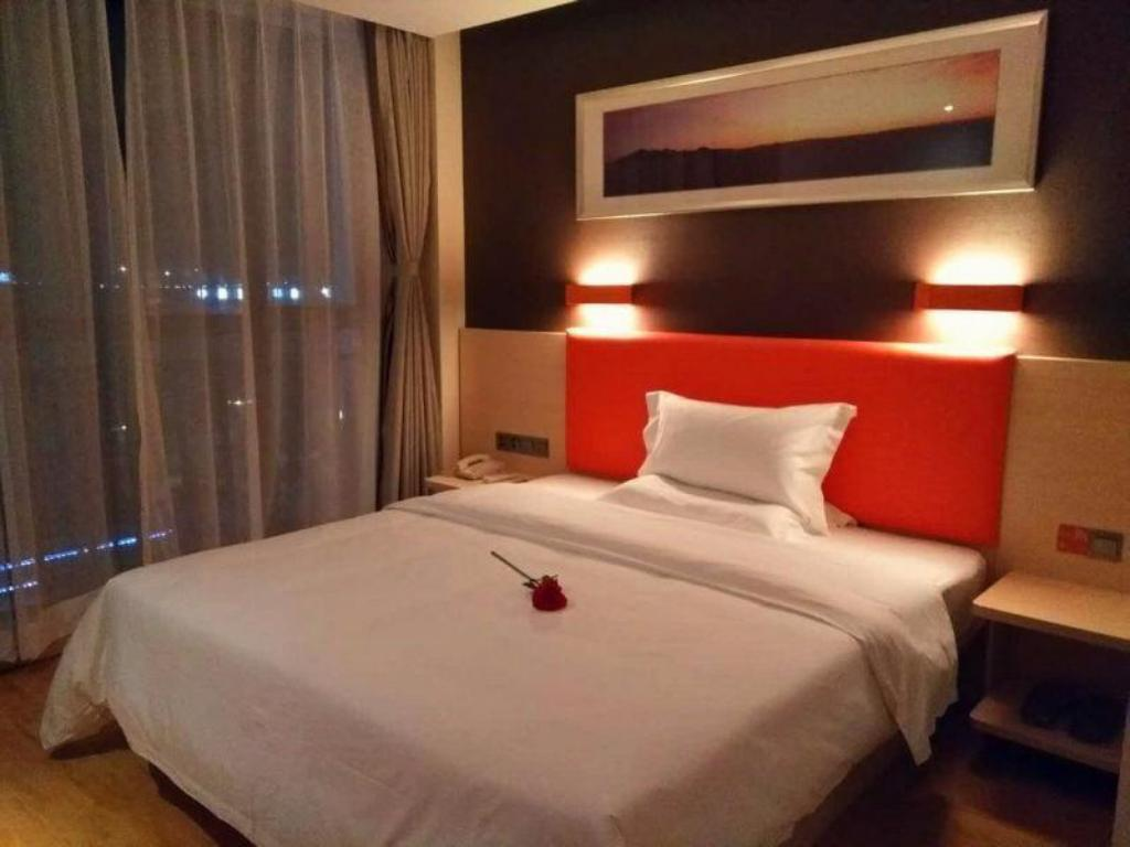 WH -Select You Ter Room - Guestroom