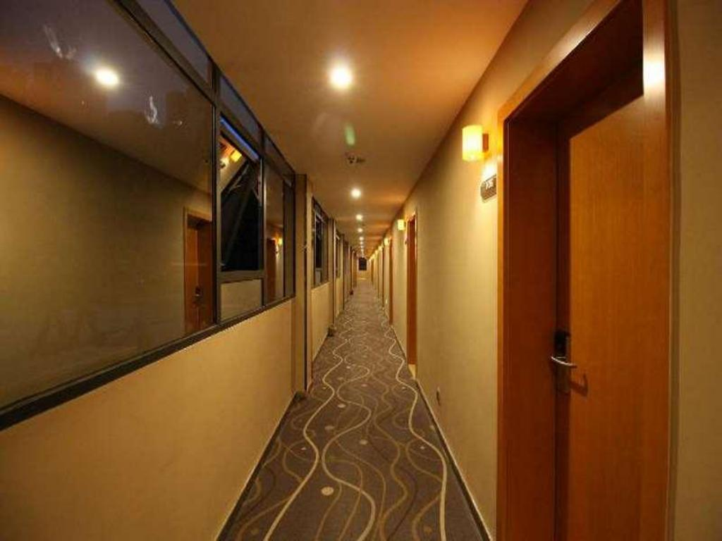 Hotellet indefra 7 Days Premium Zhuzhou Changjiang South Road Central Hospital Branch