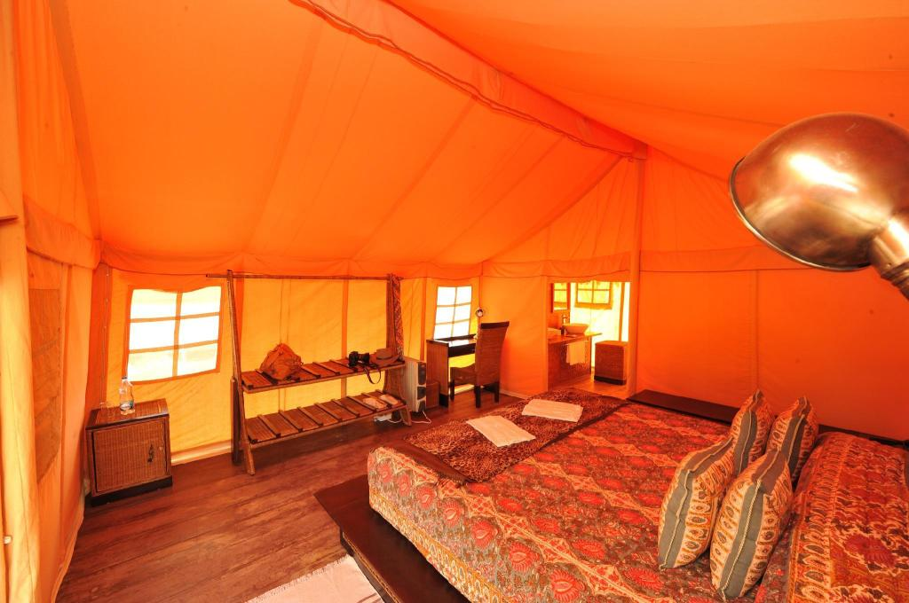 Deluxe Tent With All Meals - Guestroom Bagh Villas Jungle Camp & Spa