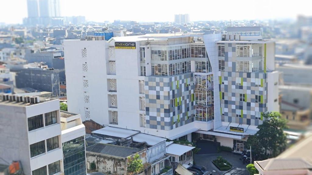 Maxone Signature Glodok Jakarta Hotel Deals Photos Reviews