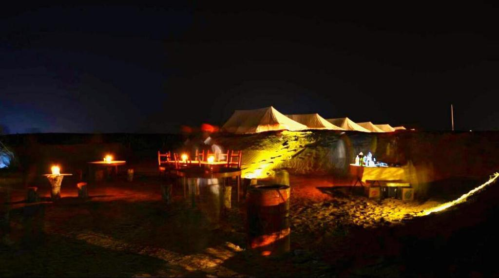 Restaurant Sheesh Mahal Desert Camp