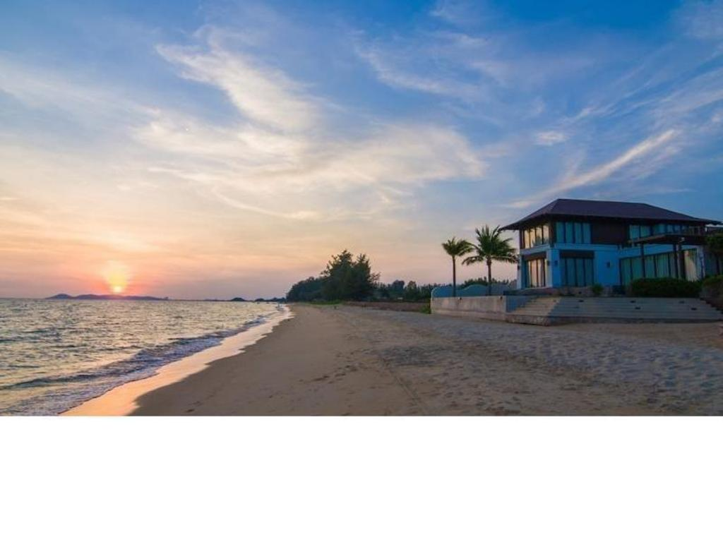 Praia One Bedroom Seaview @ The Oriental Beach Rayong