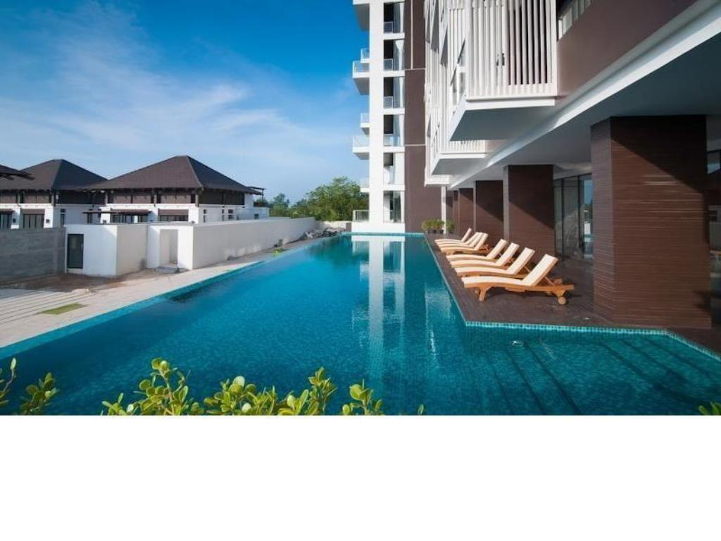 Piscina One Bedroom Seaview @ The Oriental Beach Rayong