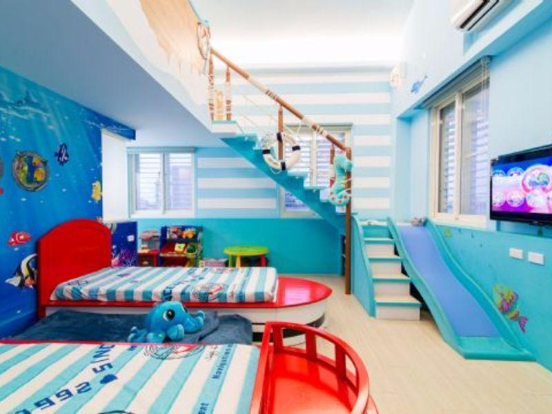 Deluxe Sea World Theme Family Suite for 4 People