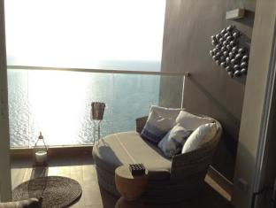 Cetus Beachfront Pattaya Condo
