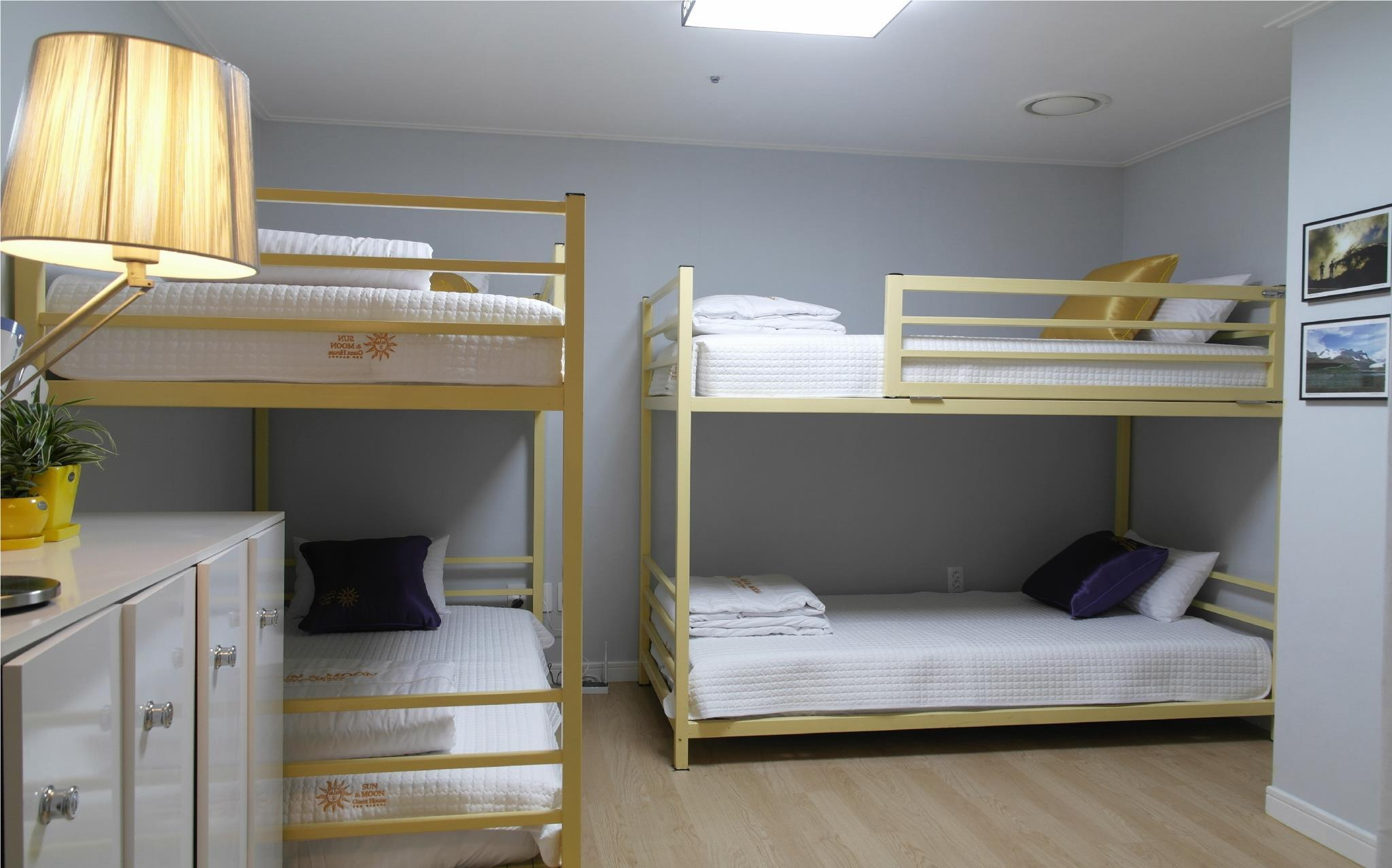 1 persona en habitación compartida de 4 camas ‒ Sólo mujeres (1 Person in 4-Bed Dormitory - Female Only)