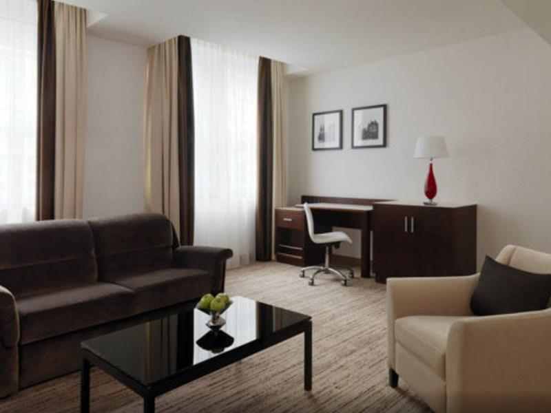Dom Suite, Executive level, 1 Bedroom 2 room Suite, 1 King