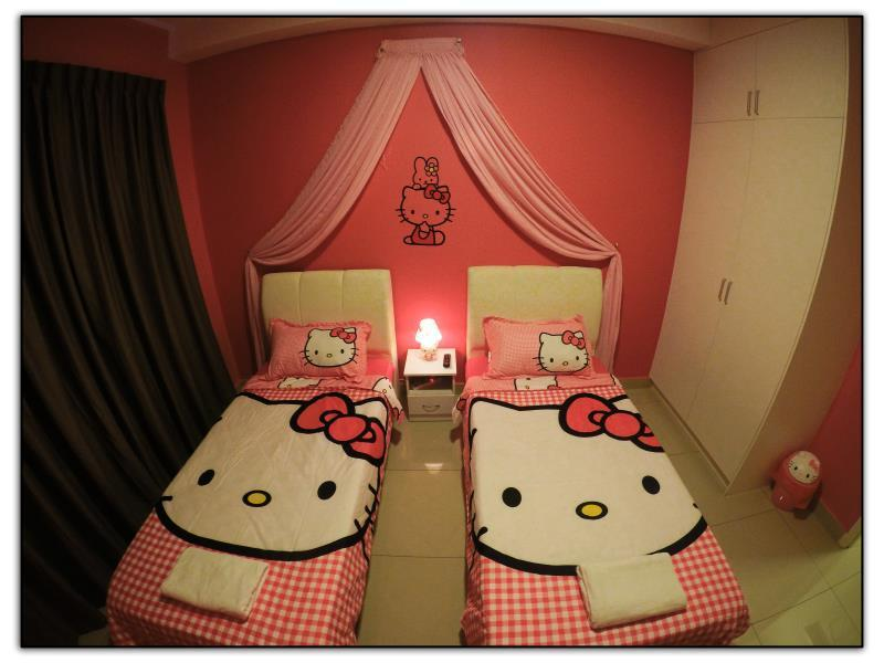 Hello Kitty Δωμάτιο (Hello Kitty Room)
