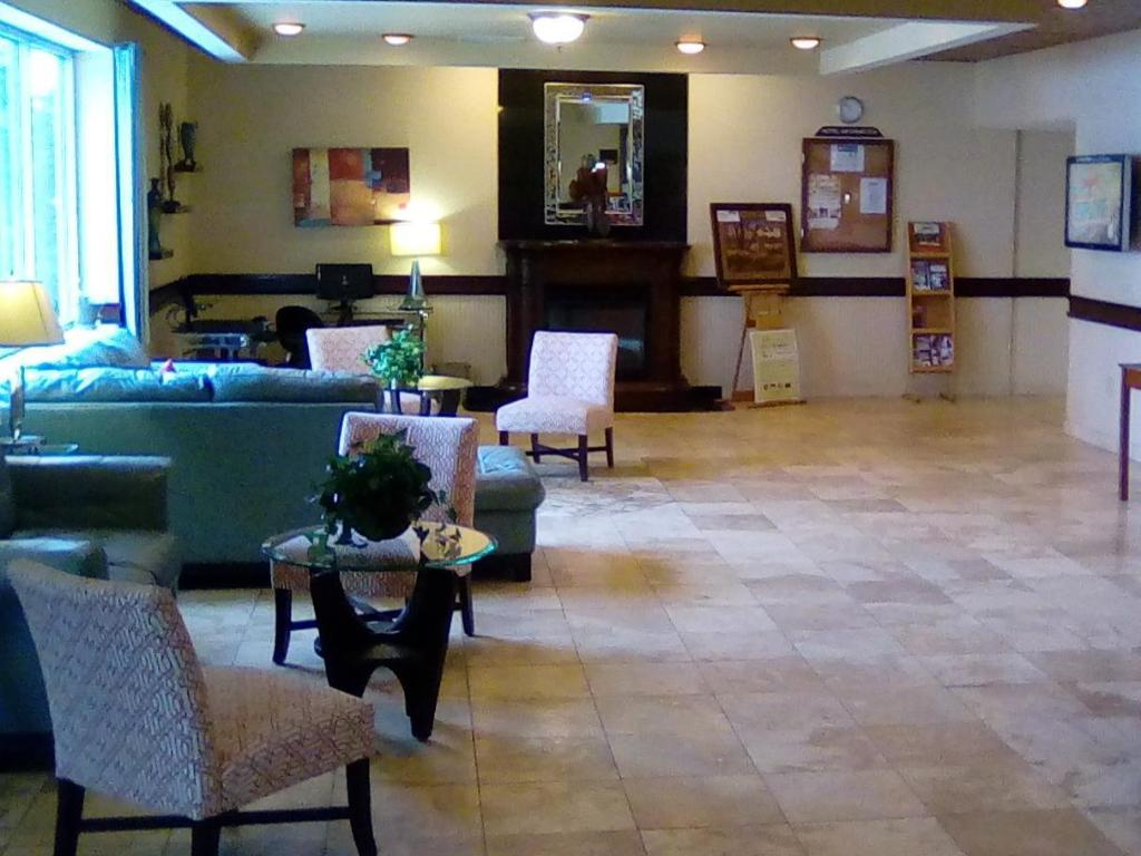Vestabils Grand Forks Inn & Suties (Grand Forks Inn & Suites)
