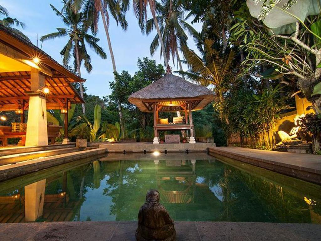 Swimmingpool Villa Ramayana