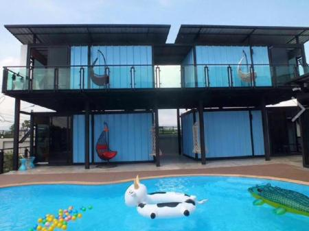 Interno Blue Container Pool Villa