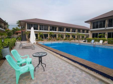 Swimming pool Sky Resort Kanchanaburi