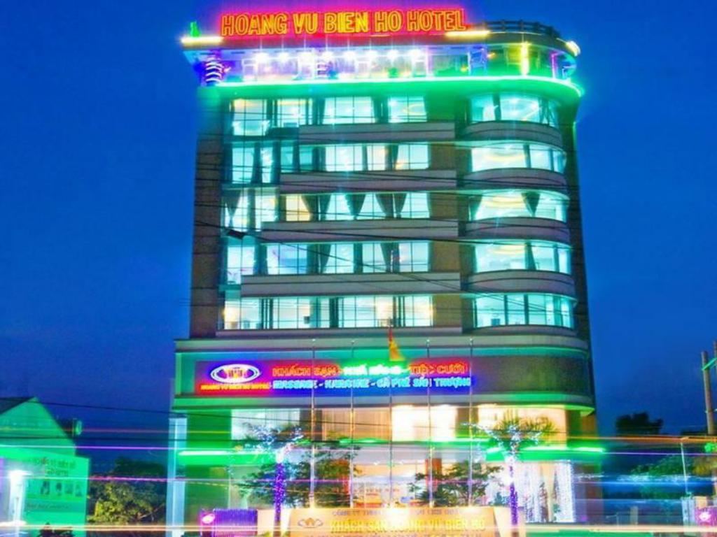 Hoang Vu Bien Ho Hotel in Pleiku (Gia Lai) - Room Deals, Photos ...
