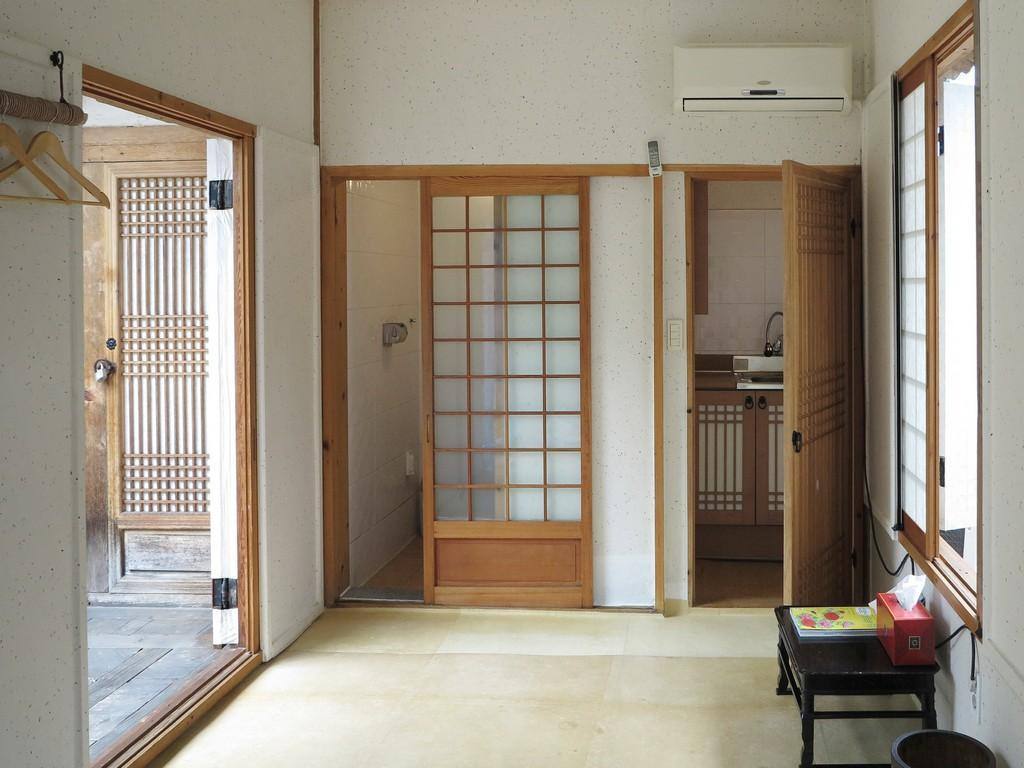Triple Ondol Sam Do Heon Hanok Guest House
