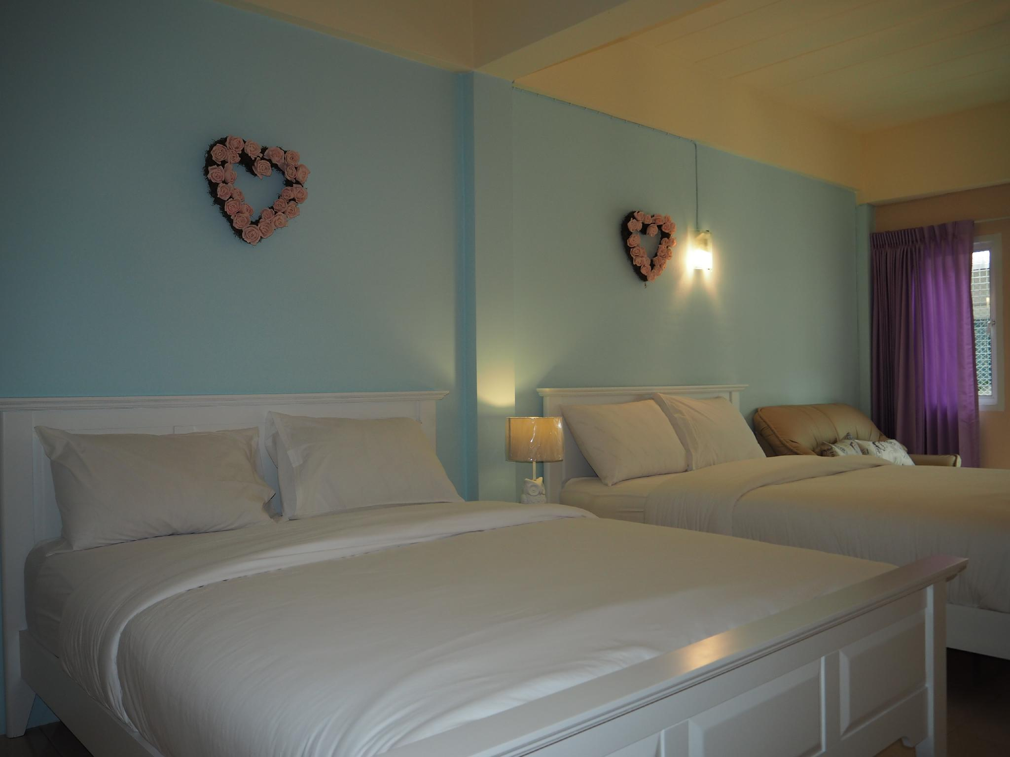 Camera per Famiglie con 2 Letti Matrimoniali (Family Room with 2 Double Beds)