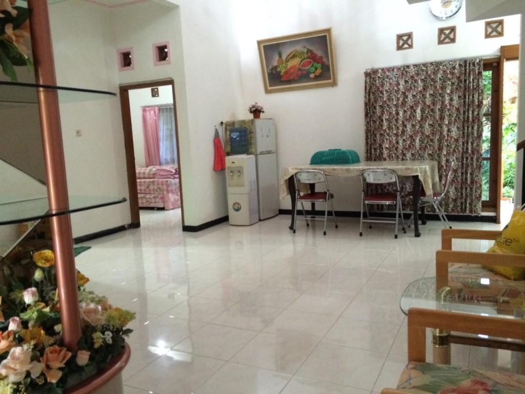 Lobby Batu Villa - Three Bedroom