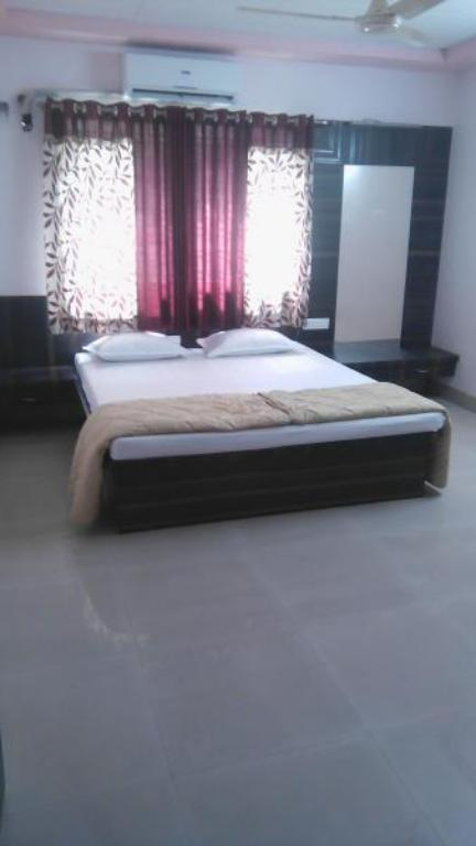 Executive Room Swaminarayan Residency