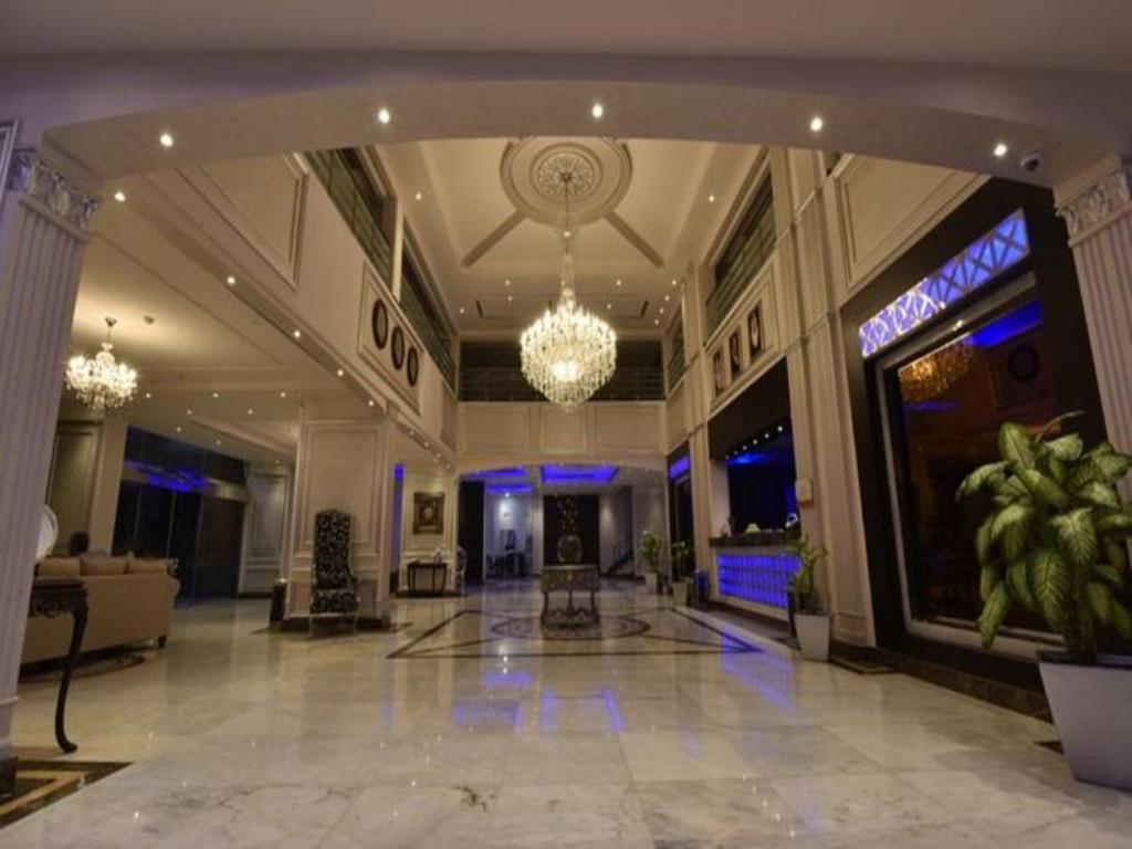 Foyer Blue Night Hotel