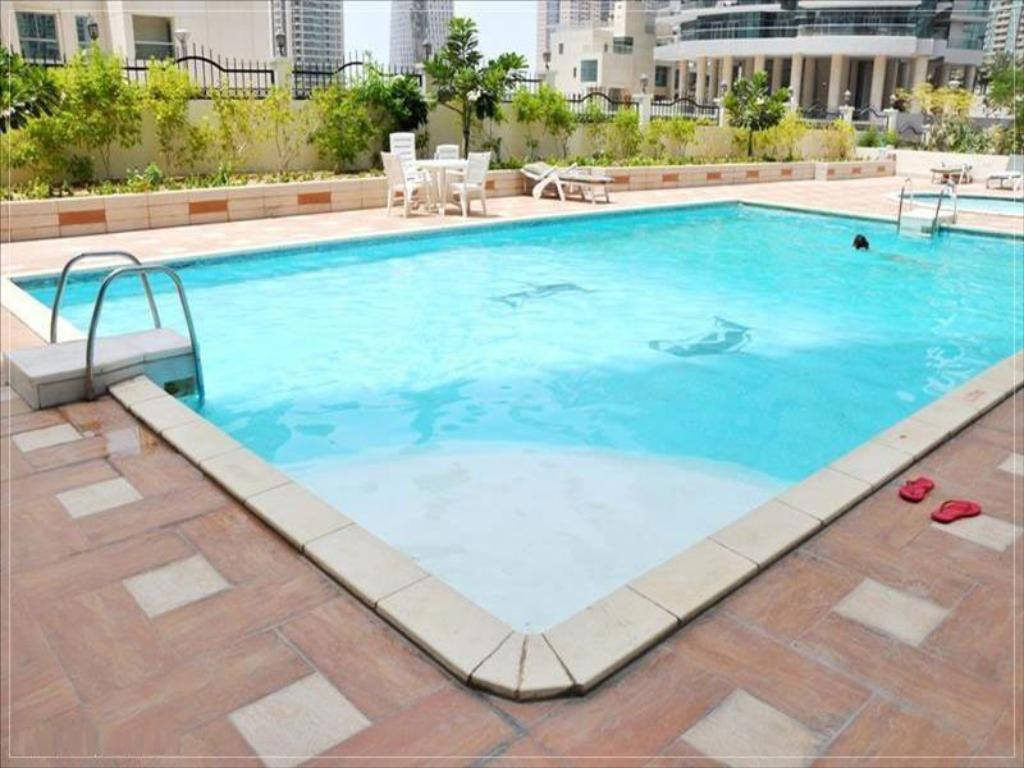 בריכת שחיה Dubai Apartments - Marina Diamond Nicely Decorated One Bedroom In Dubai Marina