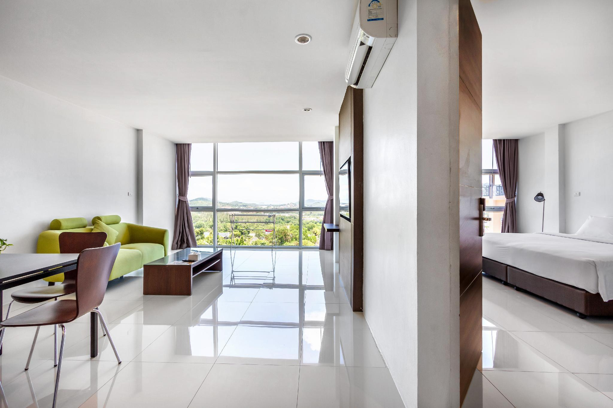 1-Bedroom Panoramic View Suite