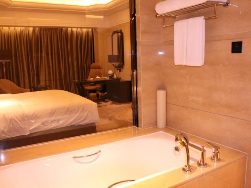 Kamar Deluxe King Wyndham Grand Plaza Royale Xianglin Shaoyang