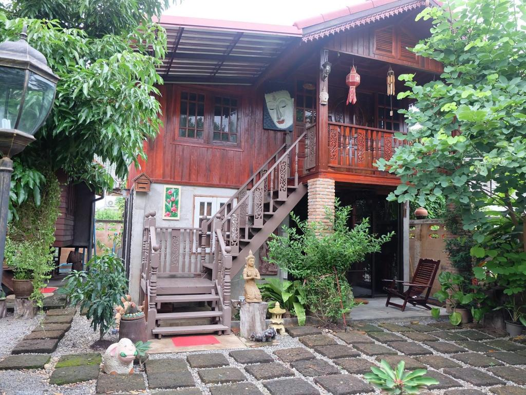 Vista exterior The Guesthouse Chiangmai