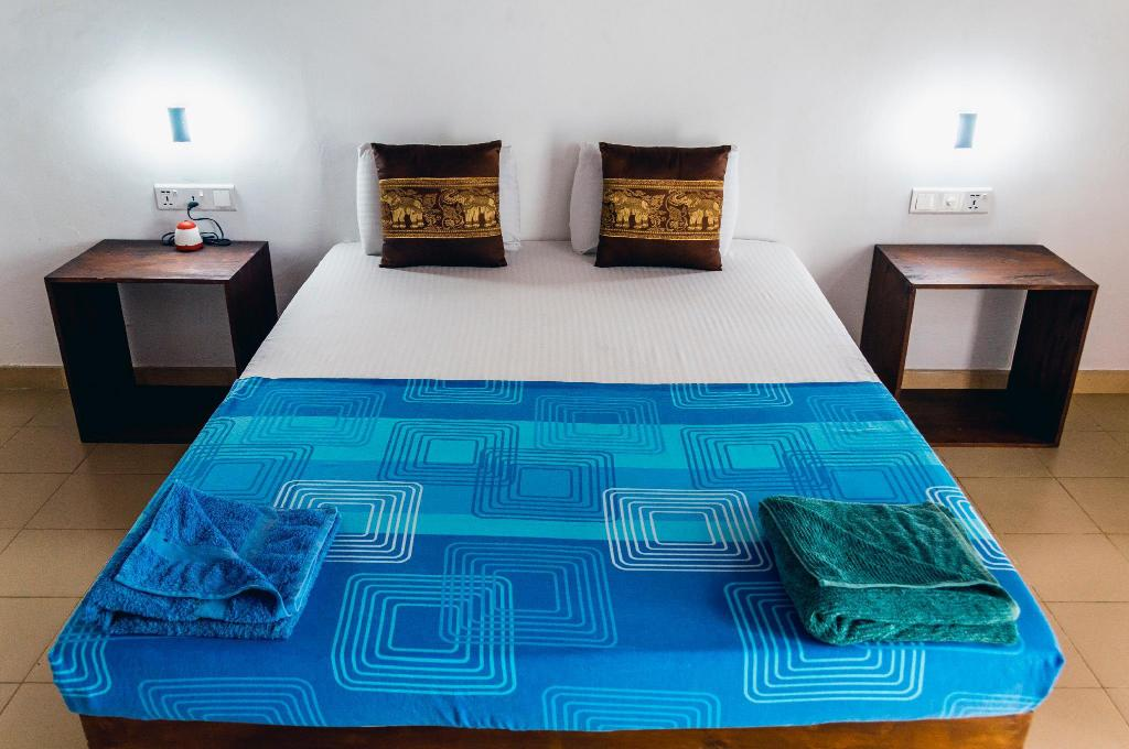 Deluxe Double Room With Private Bathroom Hostel First Mirissa