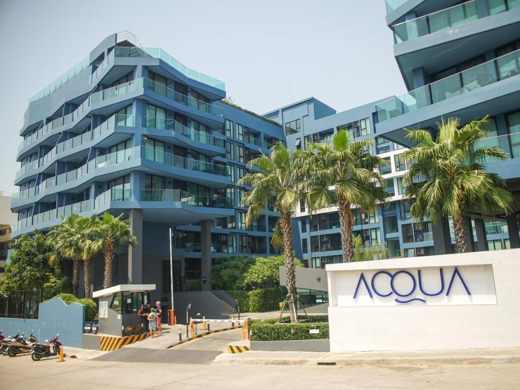 Acqua Condominium by Mr.Butler