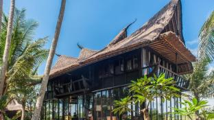 Most Exotic Beachfront Villa Keong