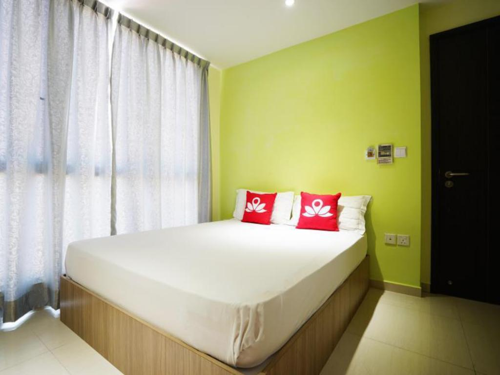 Hotellet indefra ZEN Rooms Evergreen Residences