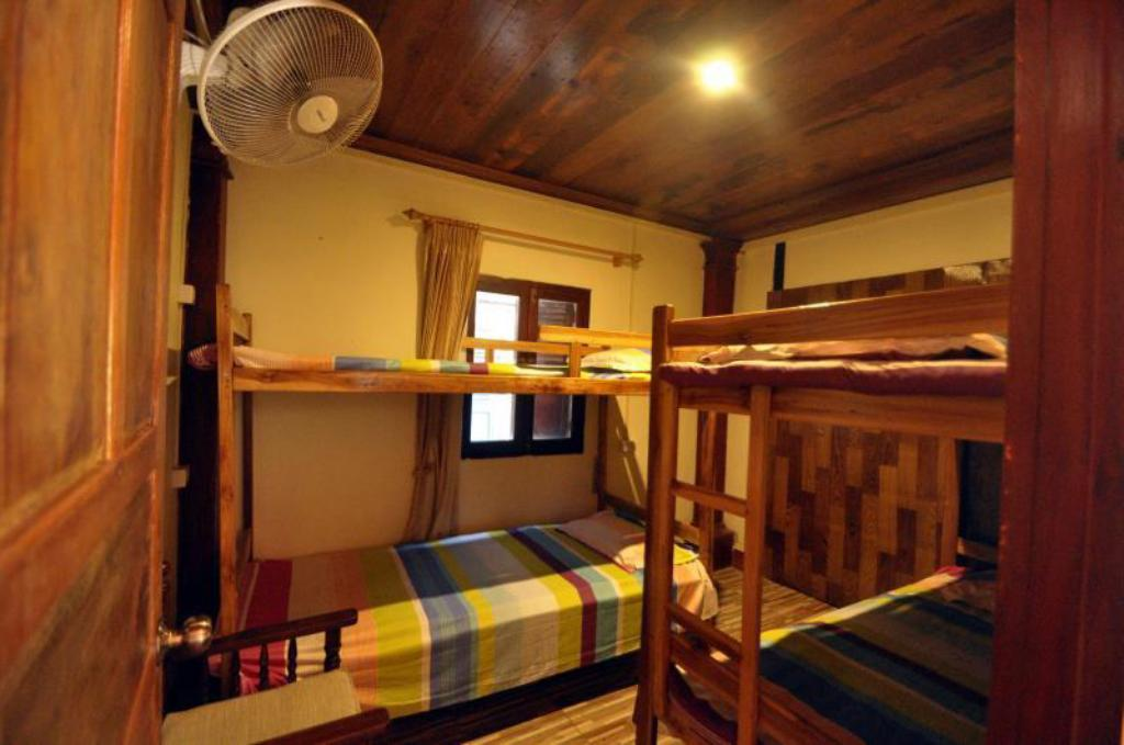 Dormitorio con 4 Camas (Mixto) Magic M Guest House