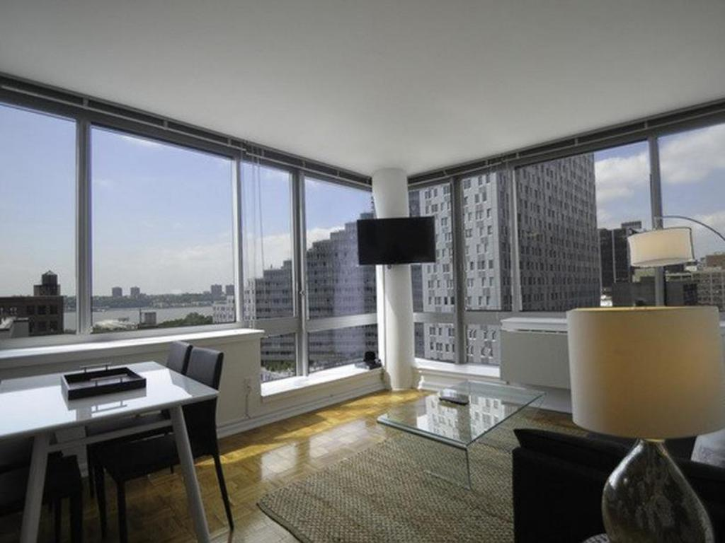 NY Away - Hells Kitchen - Times Square 1 Bedroom