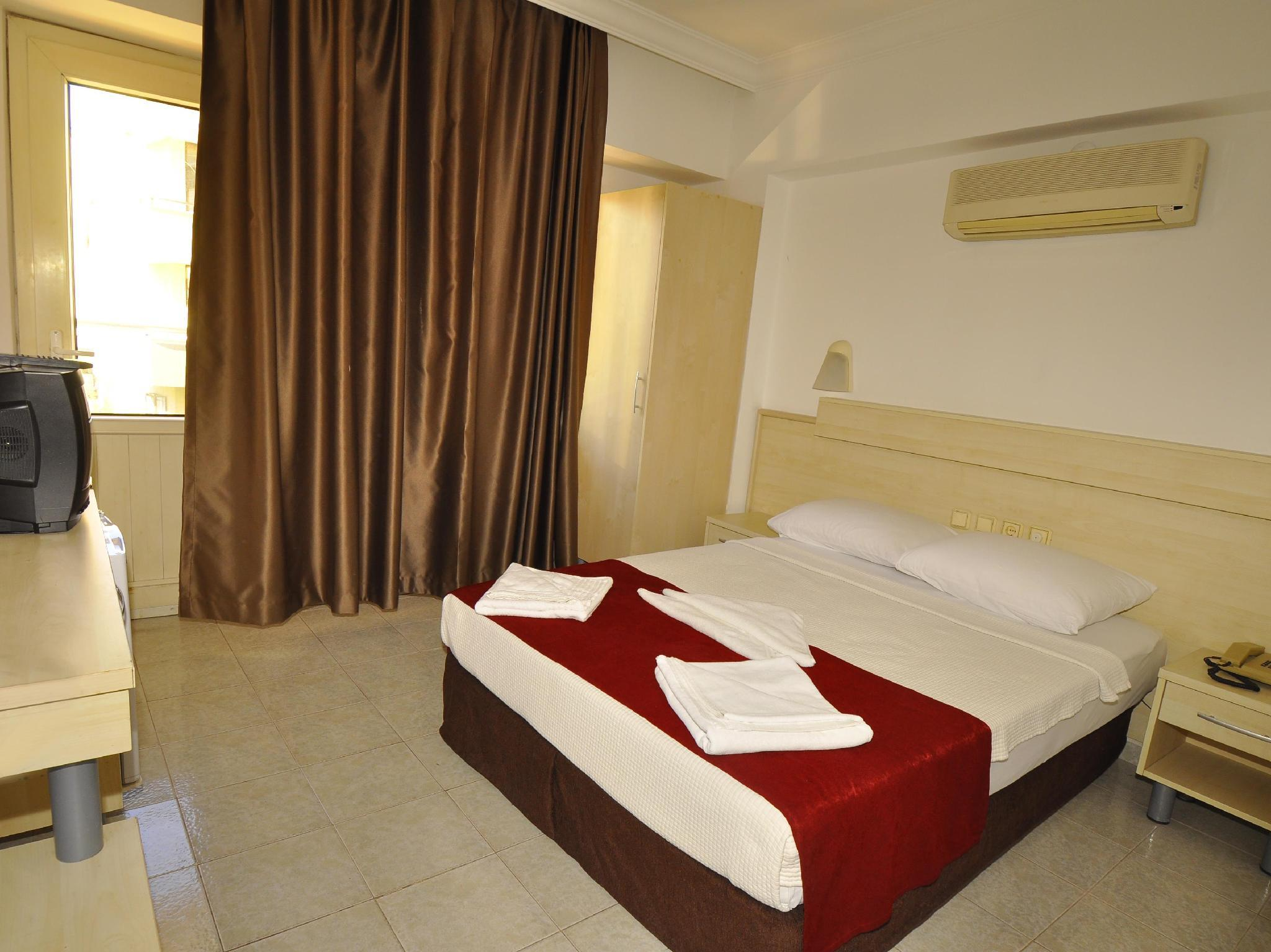 Bilik Standard Double atau Twin (Standard Double or Twin Room)