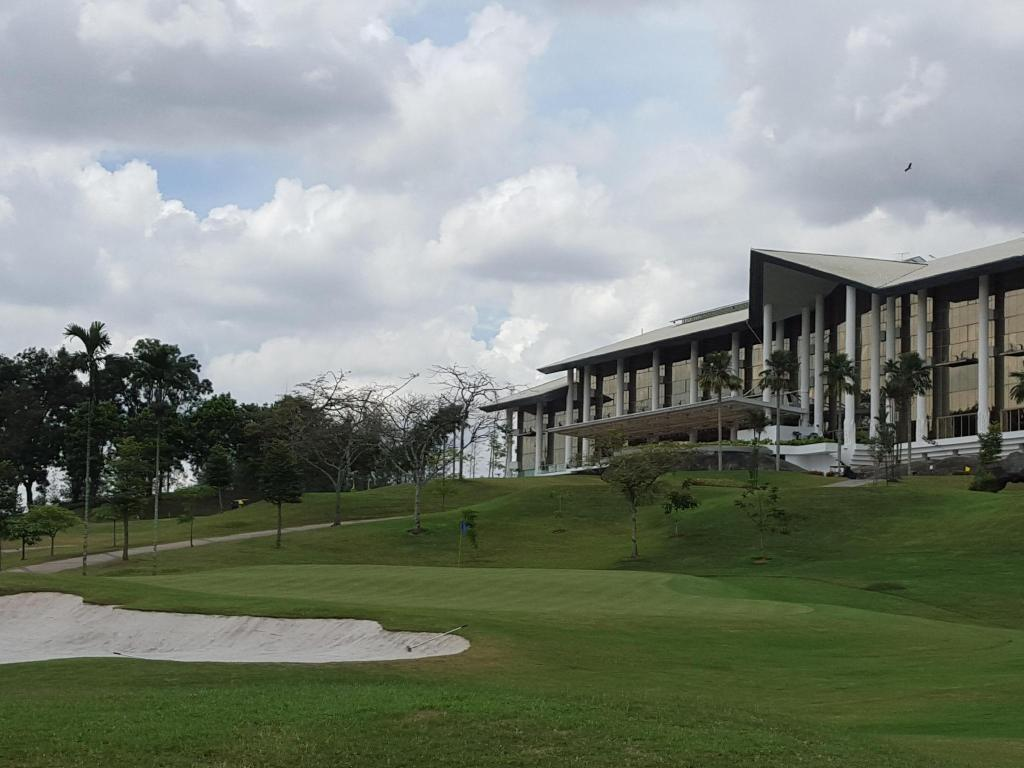 More about Austin Heights Golf & Hotel Resort