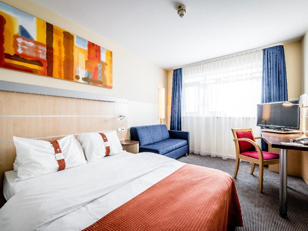 holiday inn express munchen messe in munich room deals photos