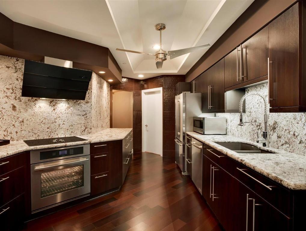 Embassy suites by hilton scottsdale in phoenix az room deals photos reviews for Scottsdale 2 bedroom suite hotels