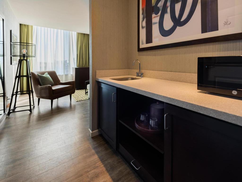 Hampton Inn & Suites Washington DC-Navy Yard