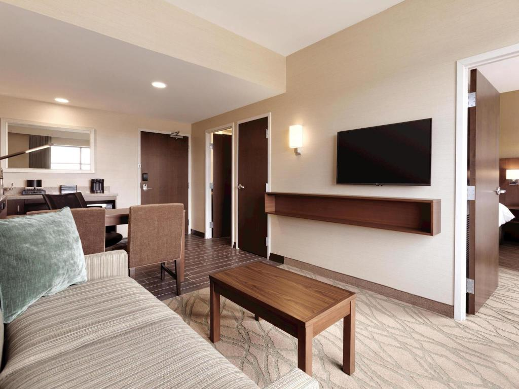 Embassy Suites by Hilton Akron-Canton Airport
