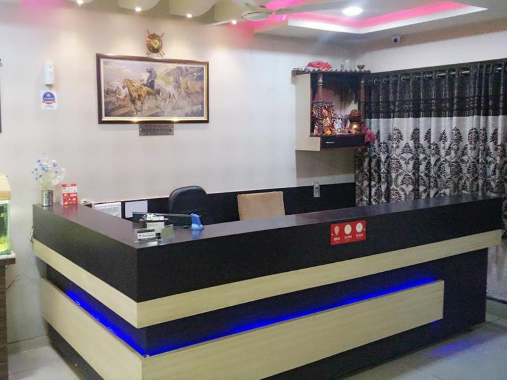 Reception Hotel Nilkanth PG Rooms