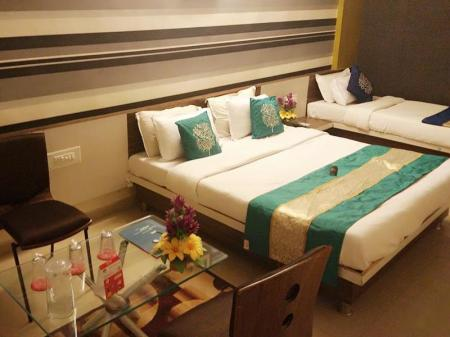 Standard Δίκλινη Μονάδα Hotel Nilkanth PG Rooms