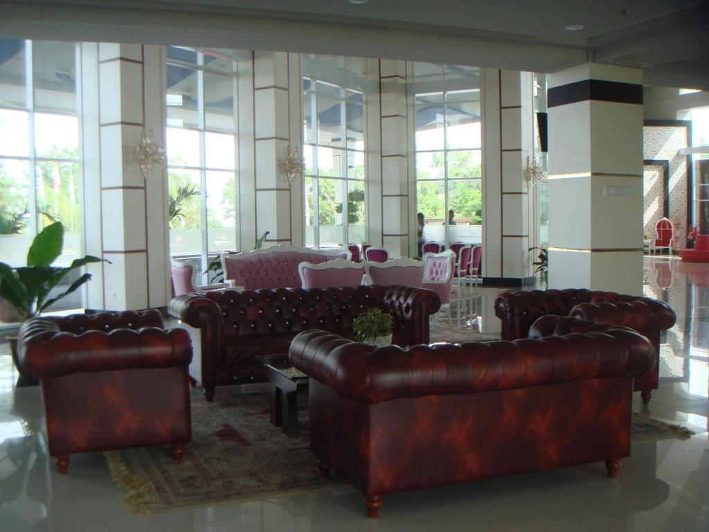 Lobby CK Tanjungpinang Hotel and Convention Centre