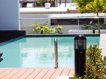 Swimming pool Synergy Broadbeach Apartments