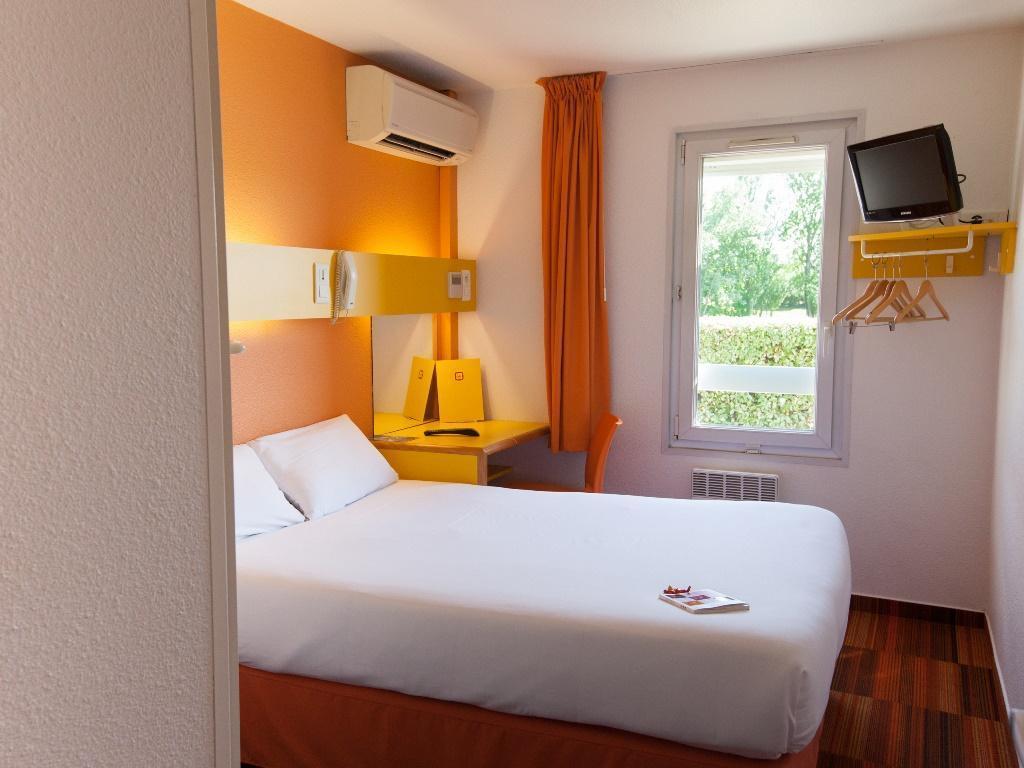 P U0026 39 Tit Dej-hotel Bordeaux Lac  Bruges  France