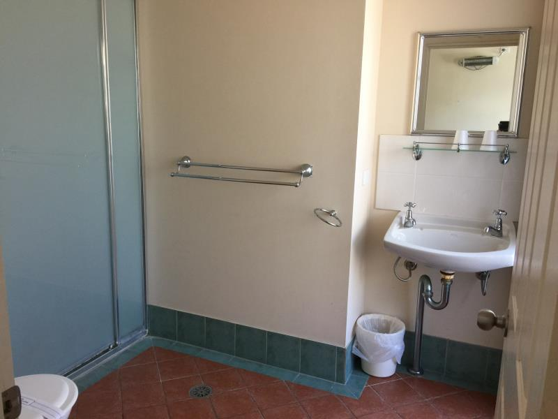 Dobbeltrom - delt bad (Double Room - Shared Bathroom)