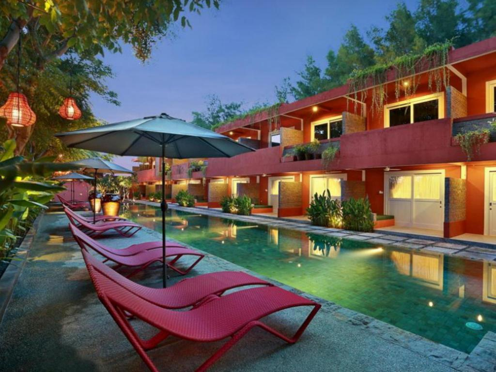 More About Pinkcoco Gili Traan Hotel