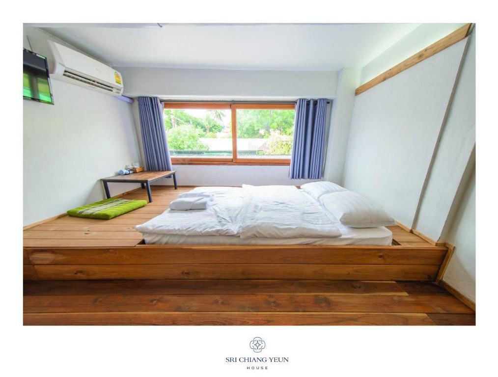 Standard Double Room - Bed Sri Chiang Yeun House