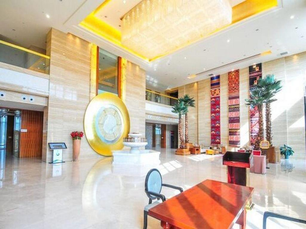 Foyer Badminton Hotel