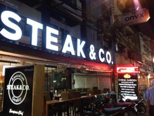 Steak & Co. Boutique Hotel